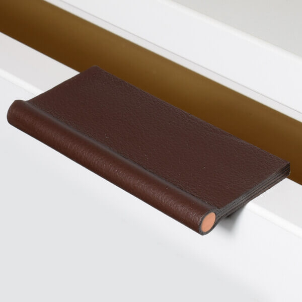 Furniture handle VERONA in leather Cordovan with copper rod